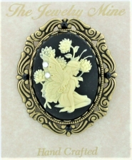 Vintage Victorian Style Fairy Cameo Brooch