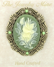 Vintage Inspired Victorian Style Cameo Flowers Pin - Green