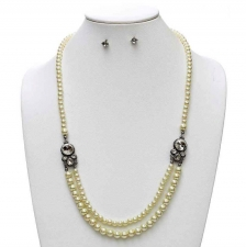 Vintage Style Pearl Necklace Set