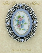 vintage look victorian style fashion brooch
