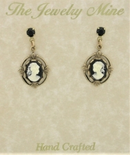 vintage Victorian fashion cameo jewelry earrings