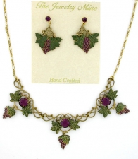 Vintage Victorian Grapes Necklace Set