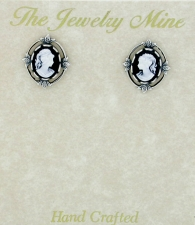 Vintage Victorian Style Cameo Button Earrings - Jet/Silver
